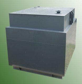 Plastic waste water tank
