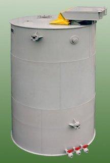 Plastová nádrž rozpouštěcí s násypkou